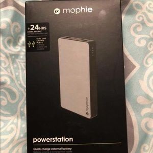 Morphie portable charger 24hr charge